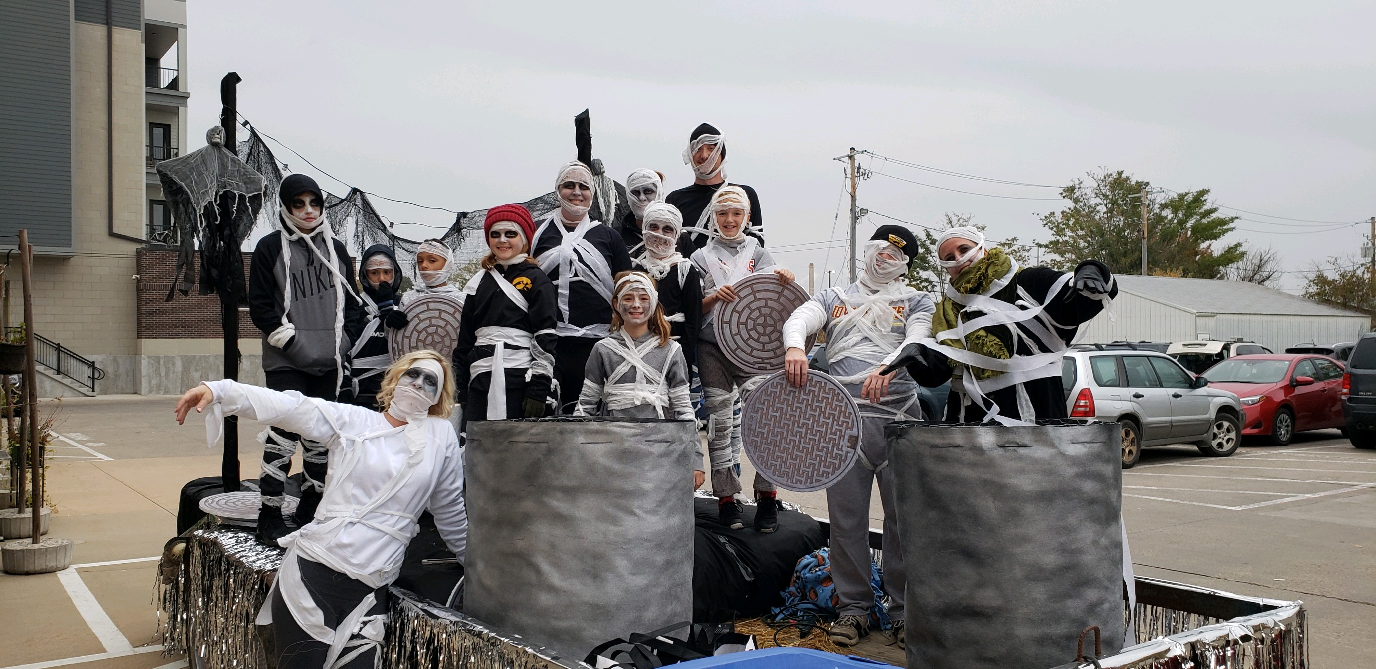 HBK float with mummies and manholes